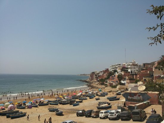 Surf Maroc L'Auberge : вид из номера на пляж