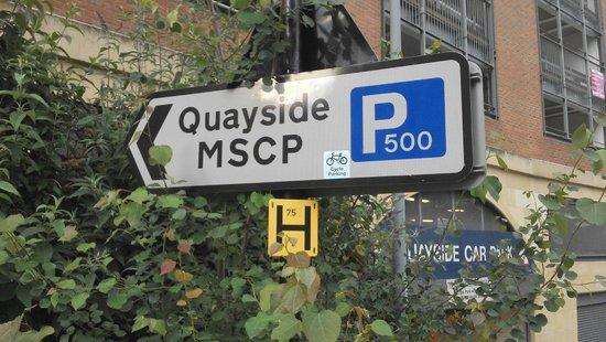 Gateshead Millenium Bridge: Parking nearby