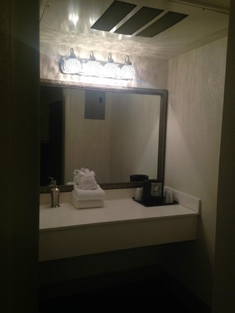 BEST WESTERN Route 66 Rail Haven: Bathroom