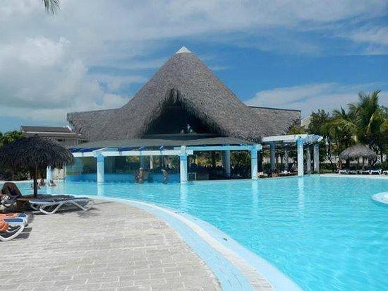 Sol Cayo Largo: Bar da Piscina