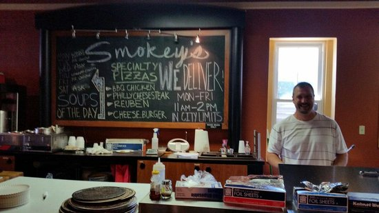 Smokey J's Deli & Pizza: Owner and inside