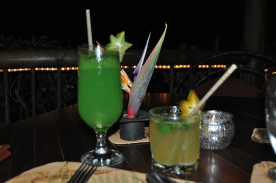 Finca Rosa Blanca Coffee Plantation Resort: fresh mojito and a very very strong drink called Rainforest