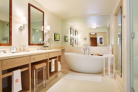 Auberge du Soleil: New St. Tropez Guestrooms and Suites