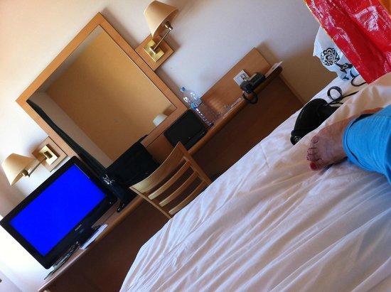 Campanile Madrid Alcala de Henares: Comoda cama