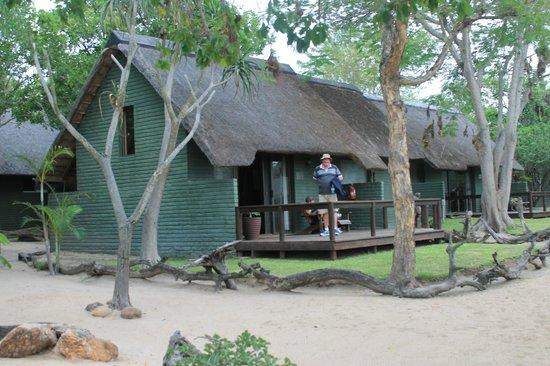 Nkorho Bush Lodge: Outside the chalet