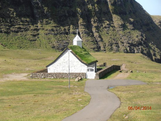 Torshavn Cathedral : small church in Saksun