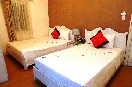 Hanoi Royal Palace Hotel 2: family room
