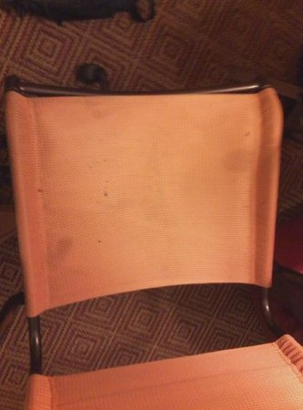 La Quinta Inn & Suites Baltimore North / White Marsh: Stains on desk chair