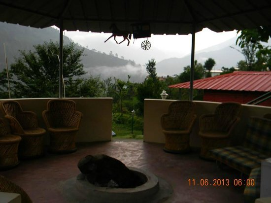 Himalayan Comforts: Bon-fire area