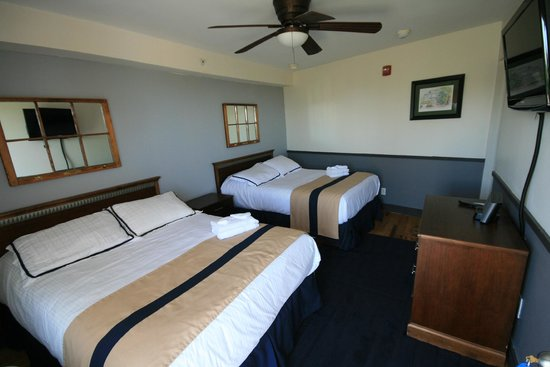 Fire Island Hotel and Resort: Newly appointed room
