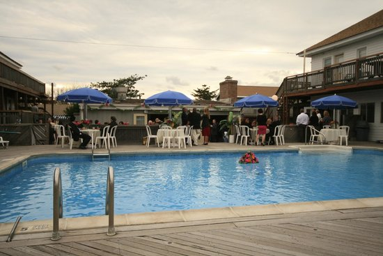 Fire Island Hotel and Resort: Pool area