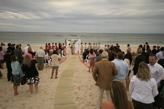 Fire Island Hotel and Resort: A favorite for weddings