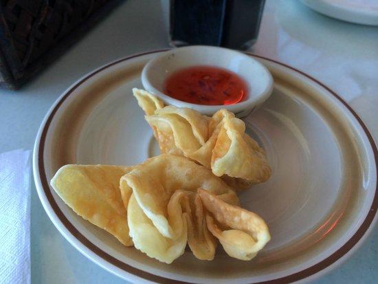 Thai Sawasdee: Crab Rangoon