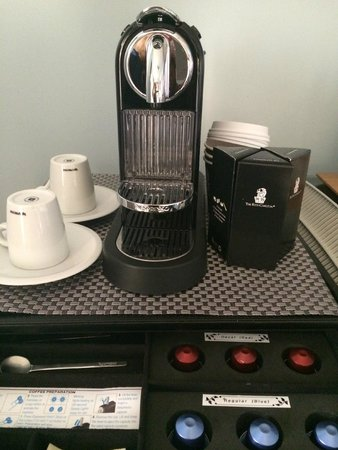 The Ritz-Carlton, Grand Cayman : Complementary Nespresso machine in room