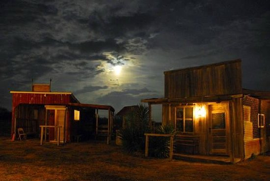 J Lorraine Ghost Town : Night at ghost town