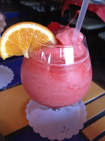 Calypso Grill: Blended champagne and strawberries.  Excellent!