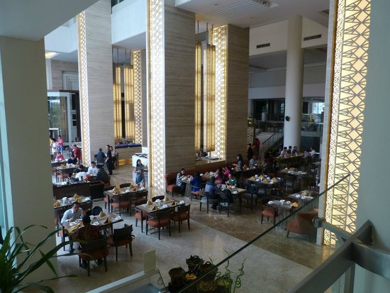 Hotel Santika Bandung : Main Breakfast Area