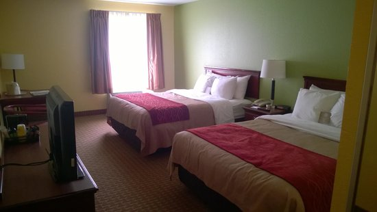 Comfort Inn & Suites Dayton: Double Queen Guest Room