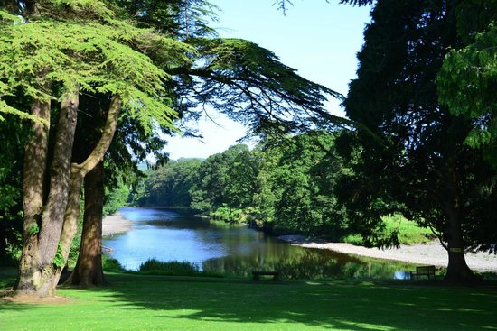 Friars Carse Country House Hotel: Grounds to front