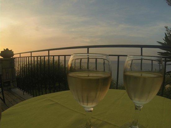 Erietta Luxury Apartments: Welcome drink