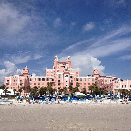 The Don CeSar : View from the beach looking at 'The Don'