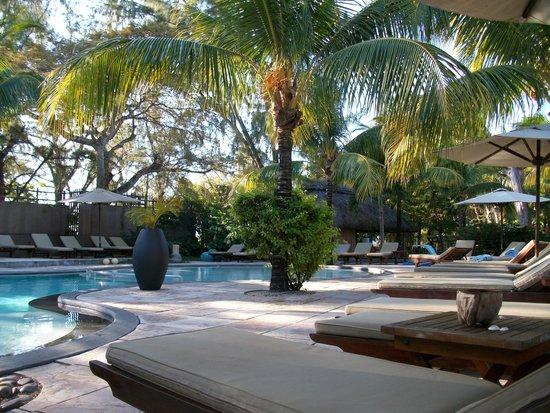 Coin de Mire Attitude : relax piscine