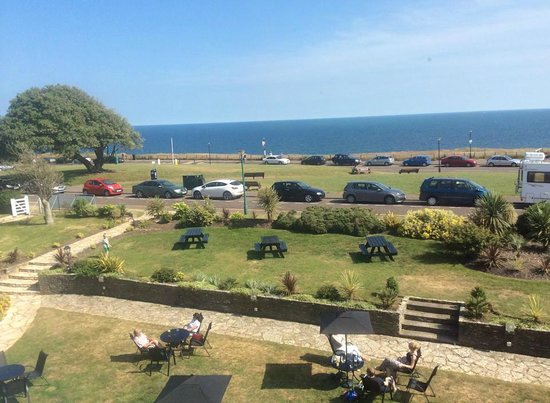 The Cottonwood Boutique Hotel: View straight out over the hotel gardens towards the Sea