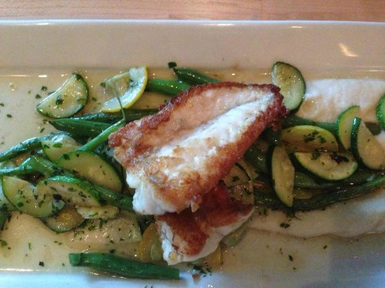 Seed Kitchen & Bar : Delicately cooked fish on yummy veggies