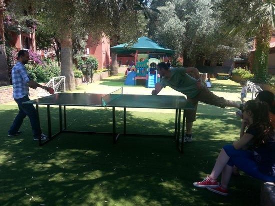 Suncity Hotel & Beach Club : Masa tenisi etkinliği