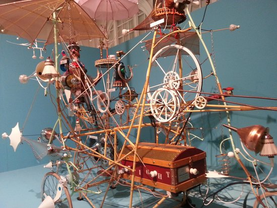 Birmingham Museum & Art Gallery: Close up of an inventive mans mind