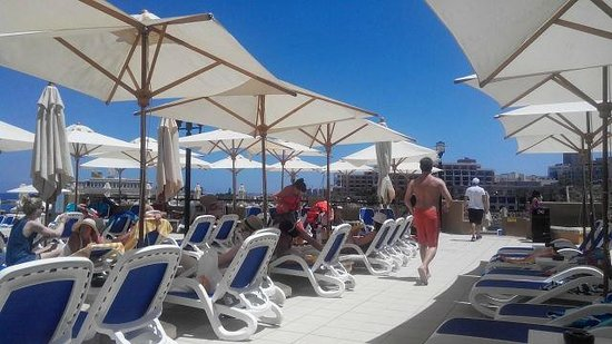 Marina Hotel Corinthia Beach Resort: отель