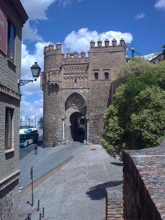 Puerta del sol picture of puerta del sol toledo for Puerta 7 foro sol