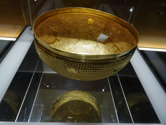 Swiss National Museum : Golden bowl