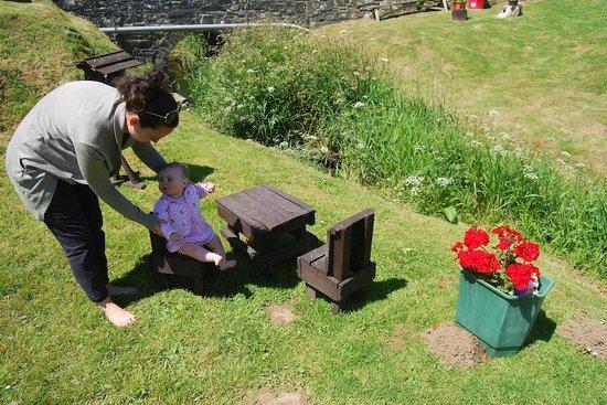Margaret's Rustic Tea Garden: Lovely little seats for young ones