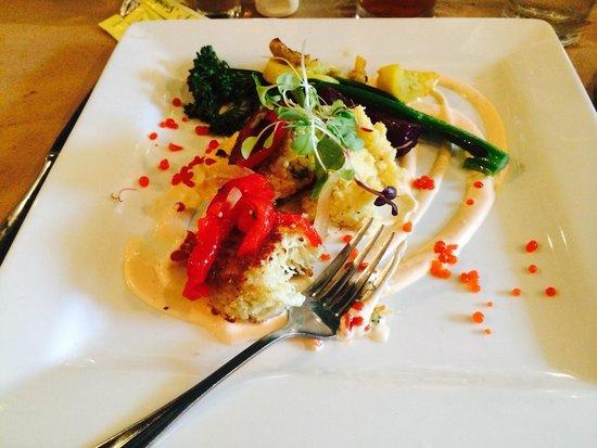 Vidalia: Crab cake entree - delightful!
