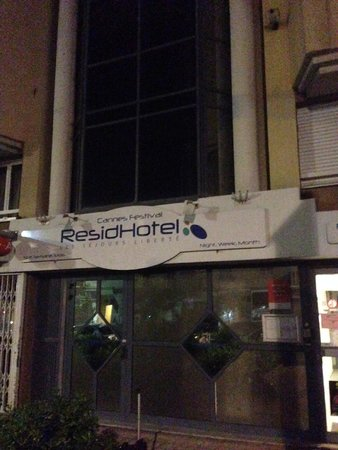 ResidHotel Cannes Festival: Late at night, pretty quiet around, but safe.