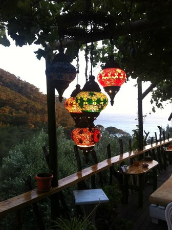 Turan Hill Lounge: Pretty decor in the communal area