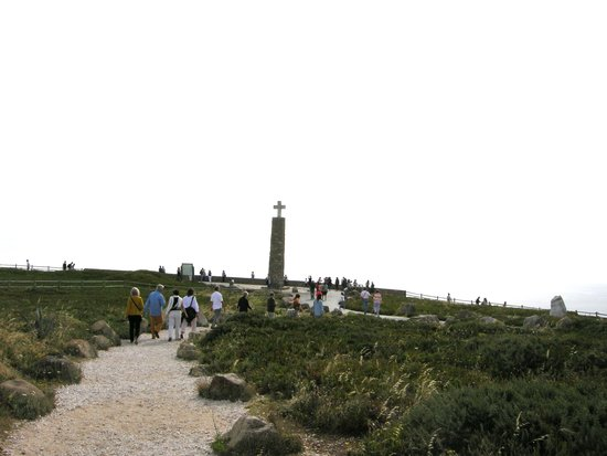Yellow Bus Tours Lisbon : The cross monument at the western-most point in Europe