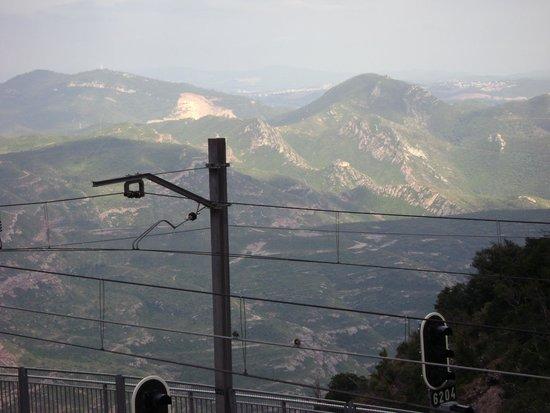 Montserrat Monastery : вид сверху