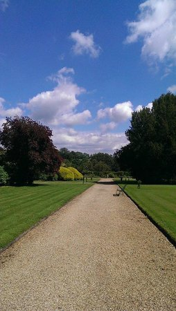 Stoke Rochford Hall: Another of the gardens