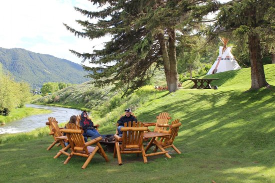 Rustic Inn Creekside Resort and Spa at Jackson Hole: Perfect dinner spot