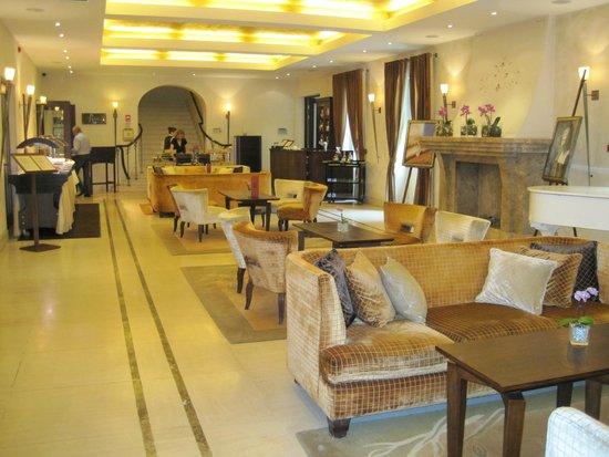 Mamaison Hotel Le Regina Warsaw: Main lobby