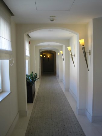 Mamaison Hotel Le Regina Warsaw: Hotel Hallway