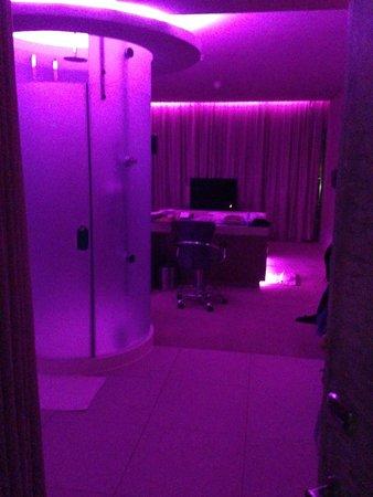 African Pride Crystal Towers Hotel & Spa: Bedroom
