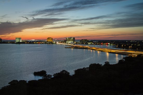 Grand Hyatt Tampa Bay: View from Bay View Suite at sunset!