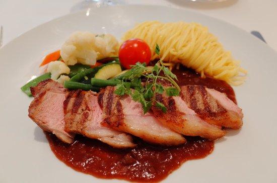 Restaurant La Soupiere : main corse
