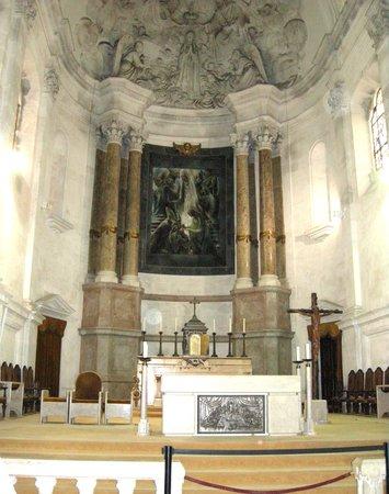Basilica of Nossa Senhora do Rosário de Fátima: The sanctuary is very beautiful