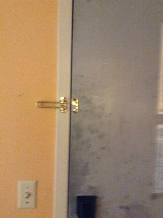 Comfort Inn Atlantic City North: busted pad lock