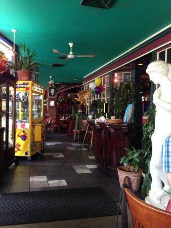 Caleco's Restaurants & Bars : Inside the restaurant