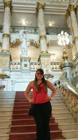 Theatro Municipal do Rio de Janeiro : My daughter at the stairs